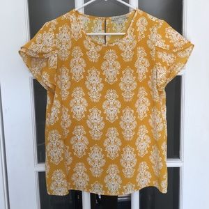 Boutique yellow short sleeved blouse